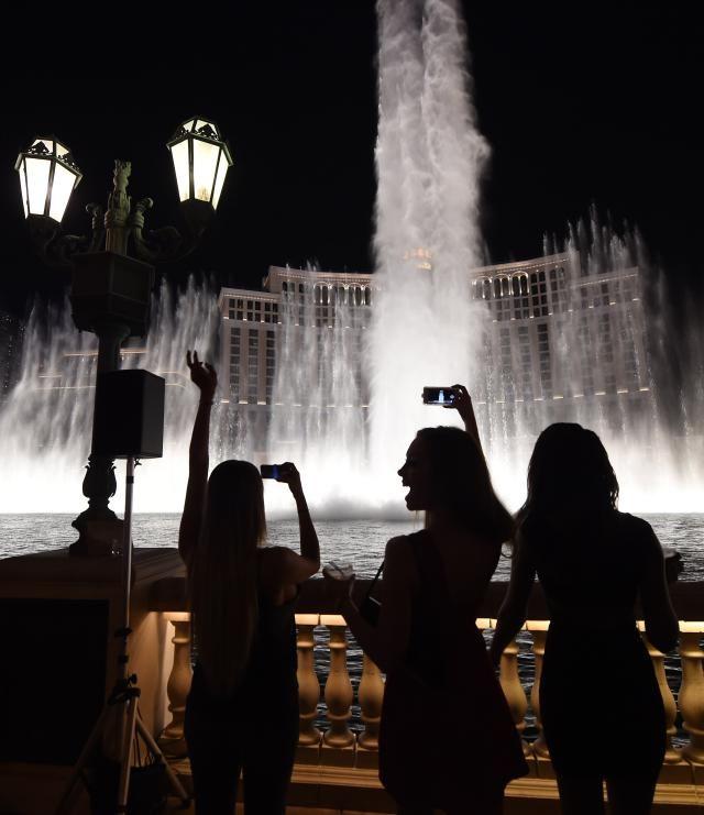 три транса фонтаном