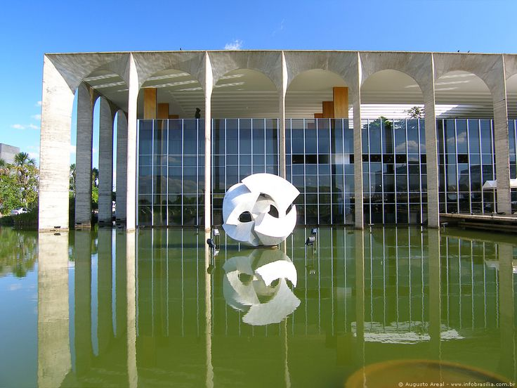 "This is Oscar Niemeyer's Palácio do Itamaraty - the Ministry of Foreign Affairs for Brasil. Check the Carrar marble sculpture aptly titled ""Meteoro"" in the water garden carved by sculptor Bruno Giorgi."