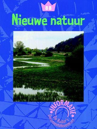 Alle natuurgebieden in Nederland zijn door mensen aangelegd of worden door hen onderhouden: heidevelden, bossen, duinen, plassen en meren. Ook onze bossen zijn aangeplant. Het zijn geen , zoals de tropische regenwouden. Die zijn wel uit zichzelf ontstaan. Het laatste Nederlandse oerbos, het Beekbergerwoud bij Apeldoorn, is rond 1870 gekapt. Steden, sportvelden en industrieterreinen noem je cultuurlandschappen. Ook de wegen horen erbij. De bomen en planten die in dit landschap groeien…