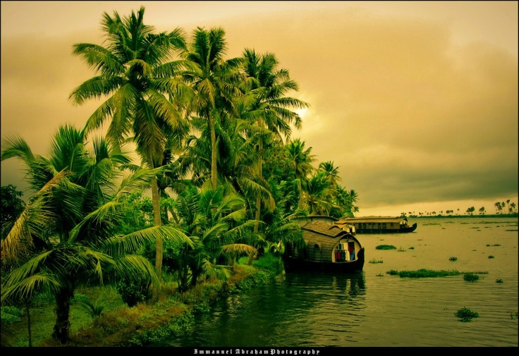 Incredible Kerala Backwater Tour