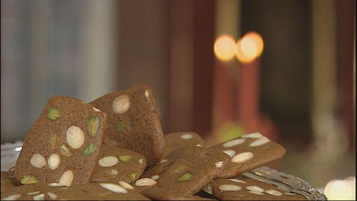 Brunkager med pistaciekerner