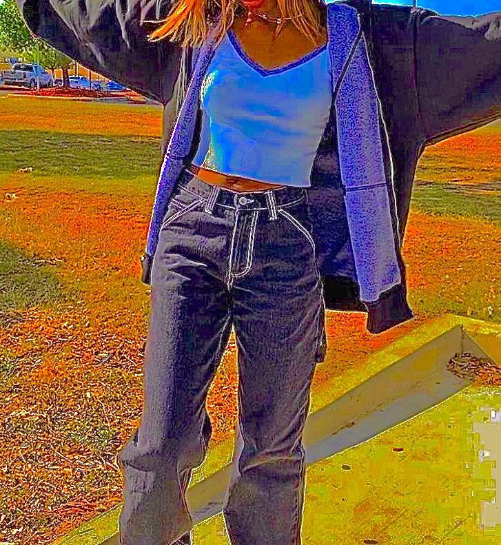 Tik Tok Outfitluvr Dm Me For Creds Pictureidea Pictureidea Teens Grunge Aesthetic Aestheticteen Indiefilter Fashion Clothes Fashion Inspo Outfits