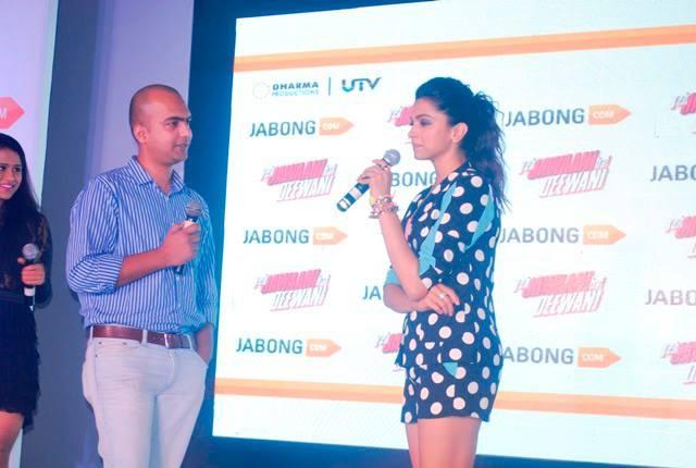 Manu Jain, Jabong.com (Co-founder & Managing Director) interacting with Deepika Padukone! — with Manu Kumar Jain at Four Seasons Mumbai.