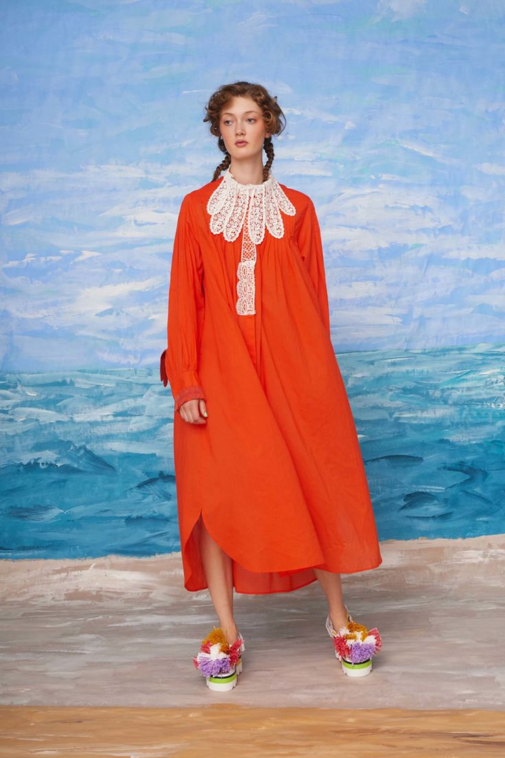 See the complete Tsumori Chisato Resort 2018 collection.