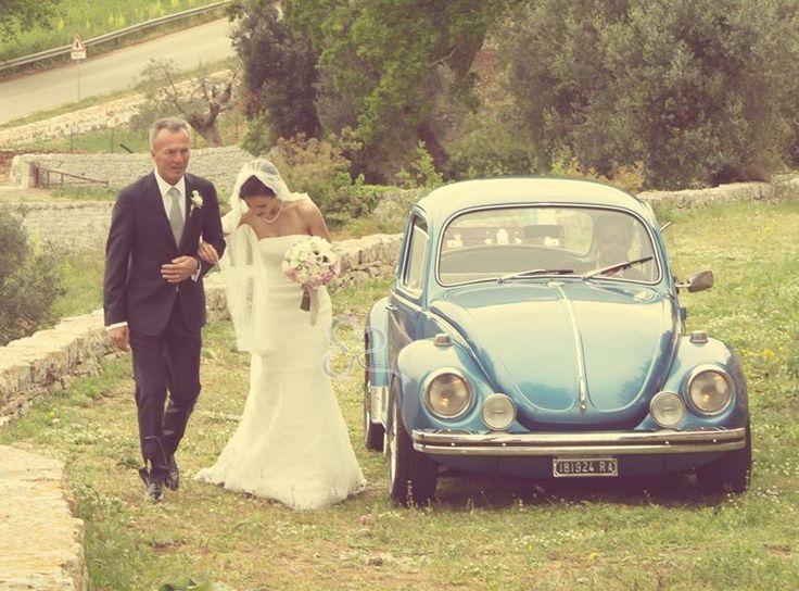 Il veicolo per gli sposi è il mezzo che trasporta la sposa dalla sua casa paterna alla chiesa dove si terrà la cerimonia nuziale del matrimonio