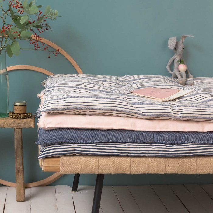 les 25 meilleures id es de la cat gorie matelas par terre sur pinterest matelas de sol lits. Black Bedroom Furniture Sets. Home Design Ideas