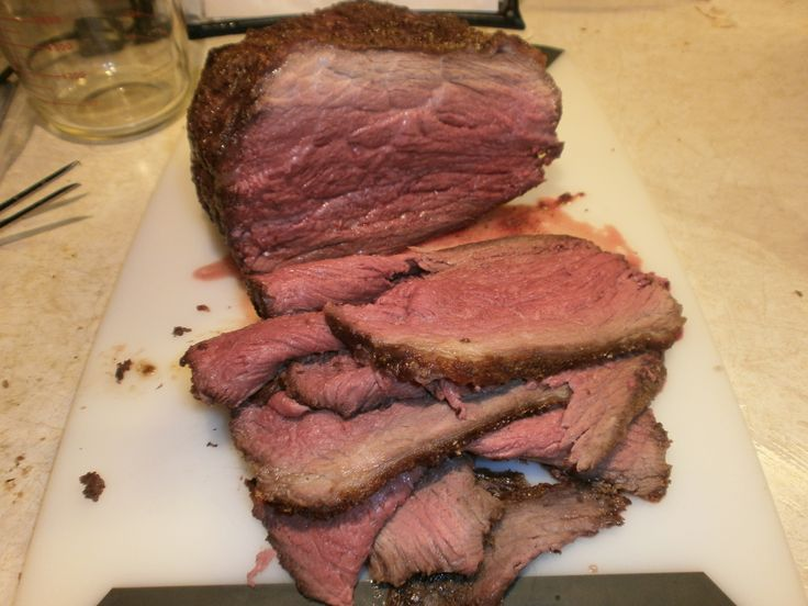 How to Cook a Tender & Flavorful Bottom Round Roast? 250F till 118 (1 hr for 1.5lb roast) Then remove. Heat oven to 500 and then put it back in till 136 (8 min). Let sit five min and temp goes to 141.
