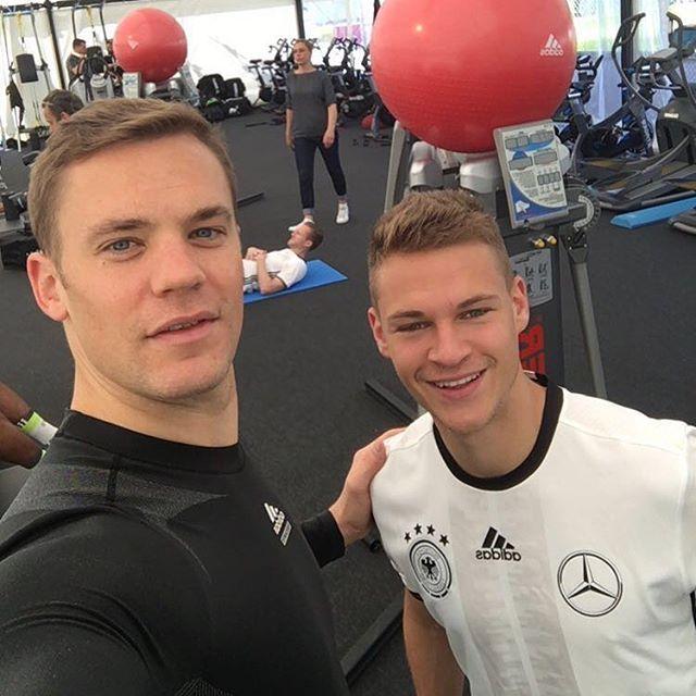 Pin for Later: Hier findet ihr die deutsche Fußballmannschaft auf Instagram Joshua Kimmich