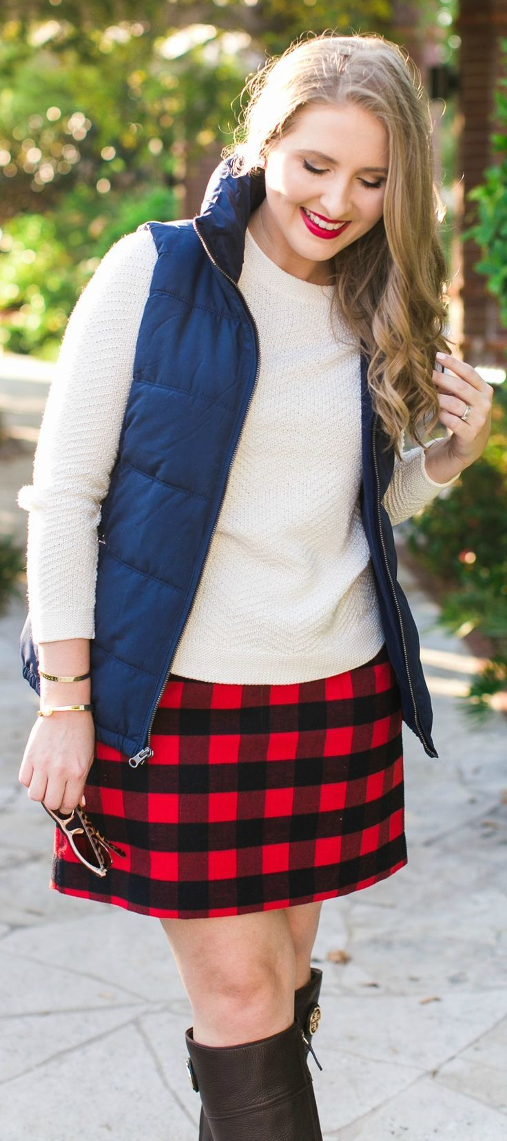 Preppy fall outfit idea + the best Gap, Banana Republic, Athleta, and Old Navy Black Friday and Cyber Monday deals + learn how to get $20 back when you spend $50 at Gap Inc stores with the Marriott Rewards Premier credit card. #marriottcard sponsored by C
