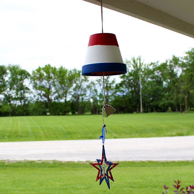 July 4th wind chime from a terra cotta pot summer fun for Terracotta wind chimes