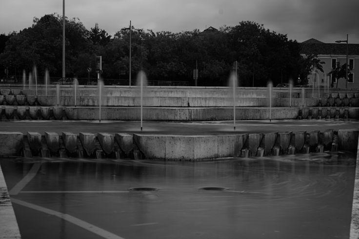 Fountain - Fuente - B&W