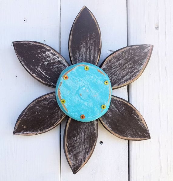 Rustic Weathered Wood Flower Wreath | Rustic Barn Wood Flower Wall Art | Spring Rustic Wall Decor | Outdoor Summer Decor on Etsy, $39.00