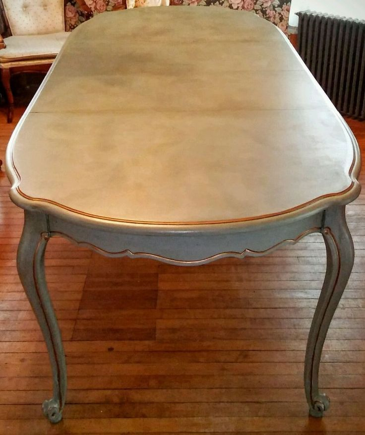 Gorgeous ATQ VTG Louis XVI French Provincial dining room table blue parcel gilt #FrenchCountryProvincial