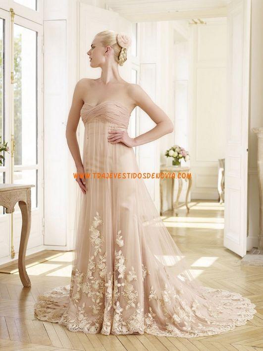 Vestidos de novia o noche de tul y encjae en color champán