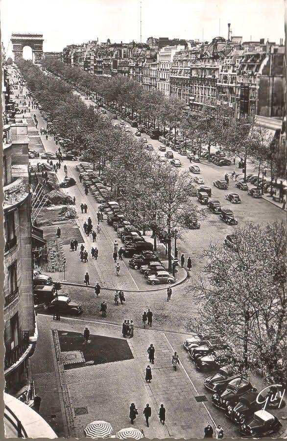 Carte postale ancienne de villes et de vieilles voitures for La maison du bain paris