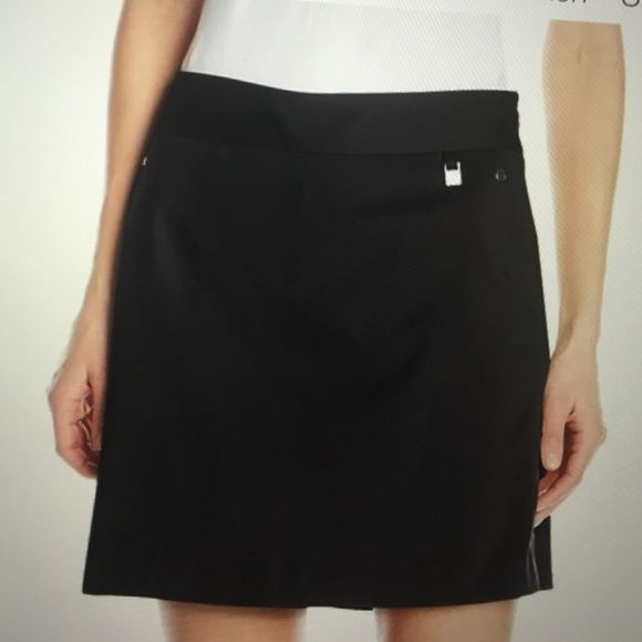 CUTTER & BUCK CB DryTec NWOT A black GOLF skort with side pockets and half zipper that moves with you while you swing your hole-in- shot! Shorts