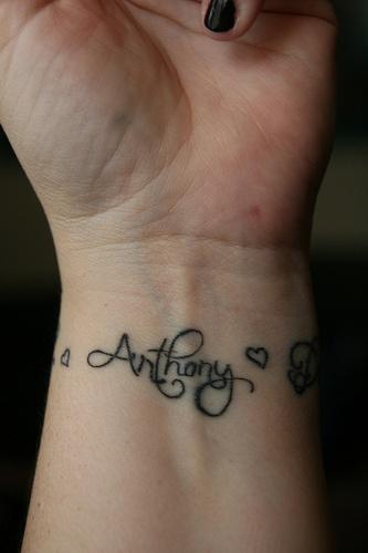 Значение татуировок с именем сделать татуировку с именем