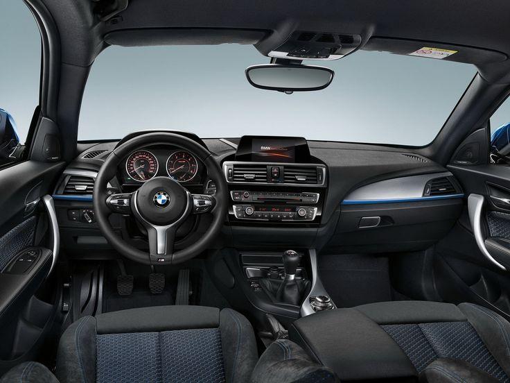 En finition M Sport, la BMW Série 1 se démarque par une sellerie spécifique et un volant à 3 branches.