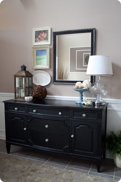 @Thrifty Decor Chick: Dining Rooms, Buffet Tables, Buffet Decor, Foyers Ideas, Thrifty Decor Chick, Decor Ideas, Black Buffet, Dressers, Foyers Tables