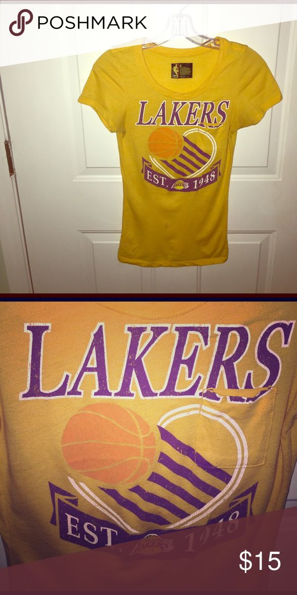 Lakers women's tee Short sleeve crew neck Lakers shirt, excellent condition Tops Tees - Short Sleeve