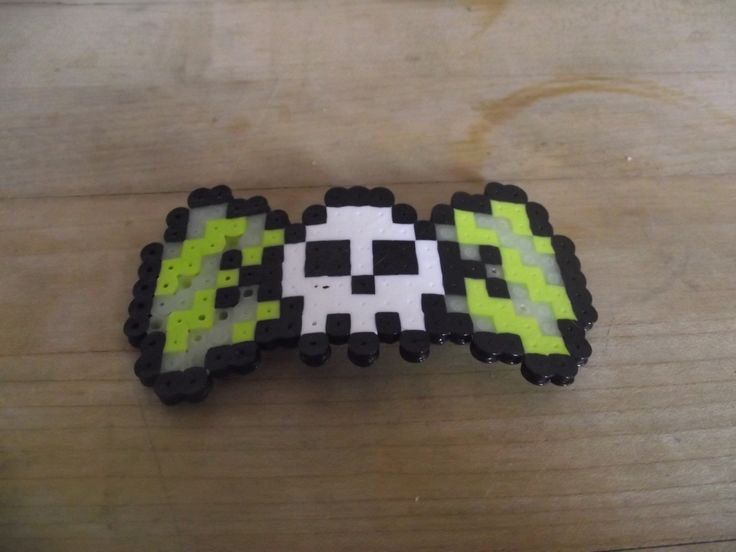 Glowing and Green Skull 8-Bit Hair Bow · The Melted Geek · Online Store Powered by Storenvy