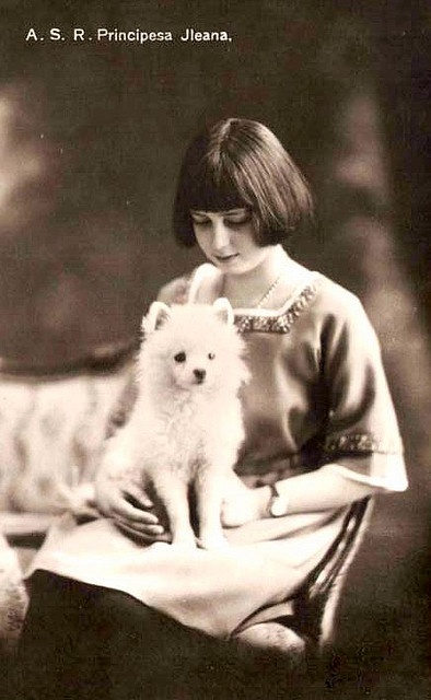 Princess Ileana von Rumänien, Princess of Romania wiith spitz puppy