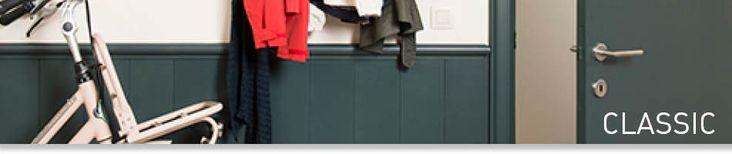 Los paneles de pared suelen asociarse con casas de campo acogedoras y cálidas, pero pueden conseguir mucho más. Son una solución que, sin duda, tiene un hueco en los interiores modernos. Además del ambiente acogedor que crean, también se pueden emplear como solución para cubrir paredes dañadas o húmedas. Acogedores y funcionales: así matamos dos pájaros de un tiro. Reglas básicas Si sitúa la moldura a un tercio de la altura total de la pared, obtendrá una proporción muy buena.