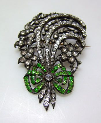 demontoid garnet jewelry antique - 18th century demontoid garnet and diamond brooch