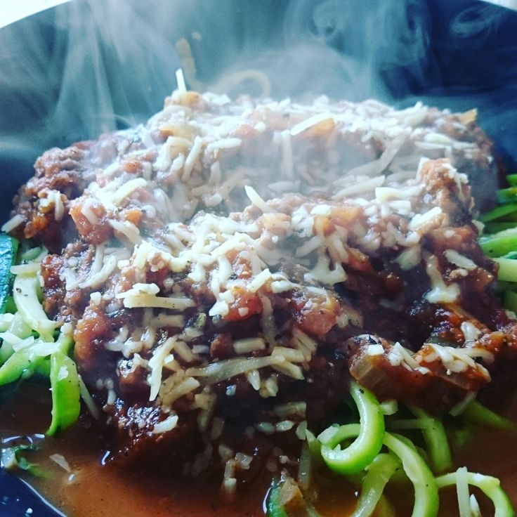 250 cal lunch. Homemade Bolognese sauce with zoodles #goodnutrition #physicalactivity #goodfood #vegetables #JuicePlus #healthymeal #healthyfood #healthy #health #exercise #eatclean