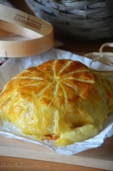 Nous sommes au début du mois de mai et c'est le jour de Recette autour d'un ingrédient # 17 . Le thème de ce mois-ci a été lancé par Christelle du joli blog Toque de Choc . LE CAMEMBERT L'occasion pour moi de tester une recette de camembert en croûte...