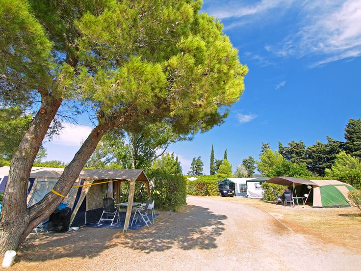 19 best Nos emplacements images on Pinterest Caravan, Lineup and Tents