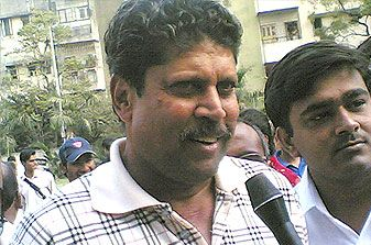 Can't take 20 wickets by dropping catches: Kapil Dev