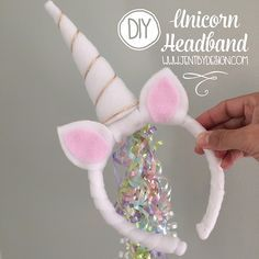 After long, long last, the day you have all been waiting for has finally arrived.   The DIY Unicorn Headband Tutorial from our super popular Unicorn Partyis  here!!!   (If you missed the party, get all of the adorable details here).  Y'all have been waiting a long time for this, so let's get right to it!