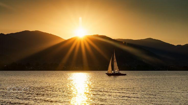 Sailing on the sunset - Sunset sailing on Tegernsee