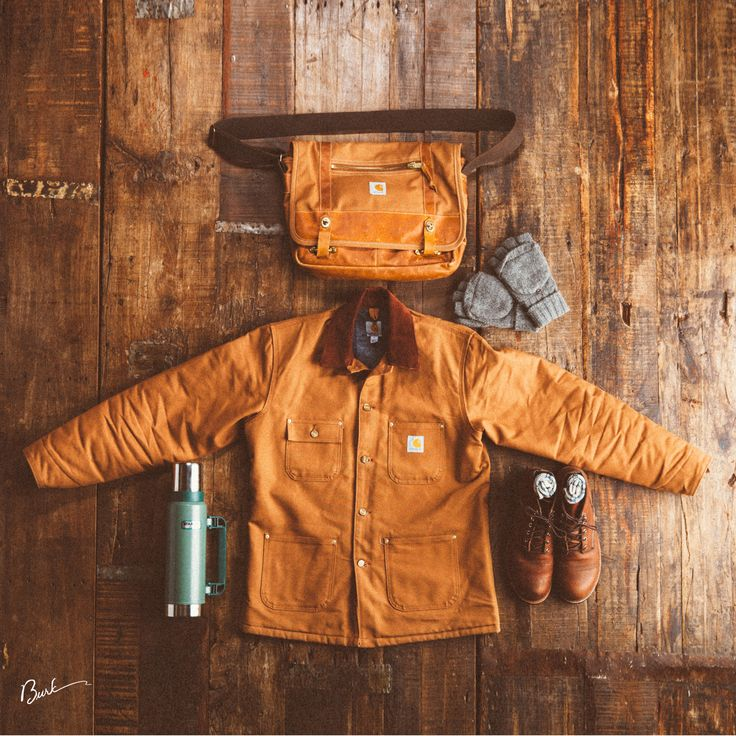 Stanley thermos, Carhartt chore coat and Red Wing Heritage Boots #myredwings #stanleyness #chorecoat #charharttstrong #manandbag @redwingheritage @Carhartt