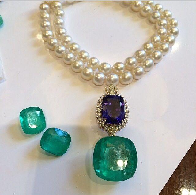 Pin by Zaara Ch. Sunerji Khan on Farah Khan Fine Jewelery ...