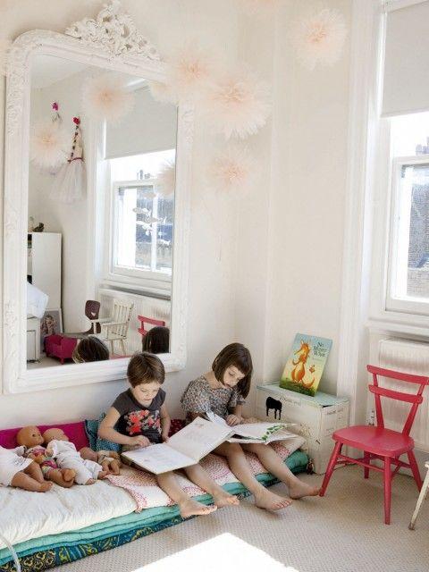 Londres : Appartement de curiosités | MilK - Le magazine de mode enfant Un coin lecture