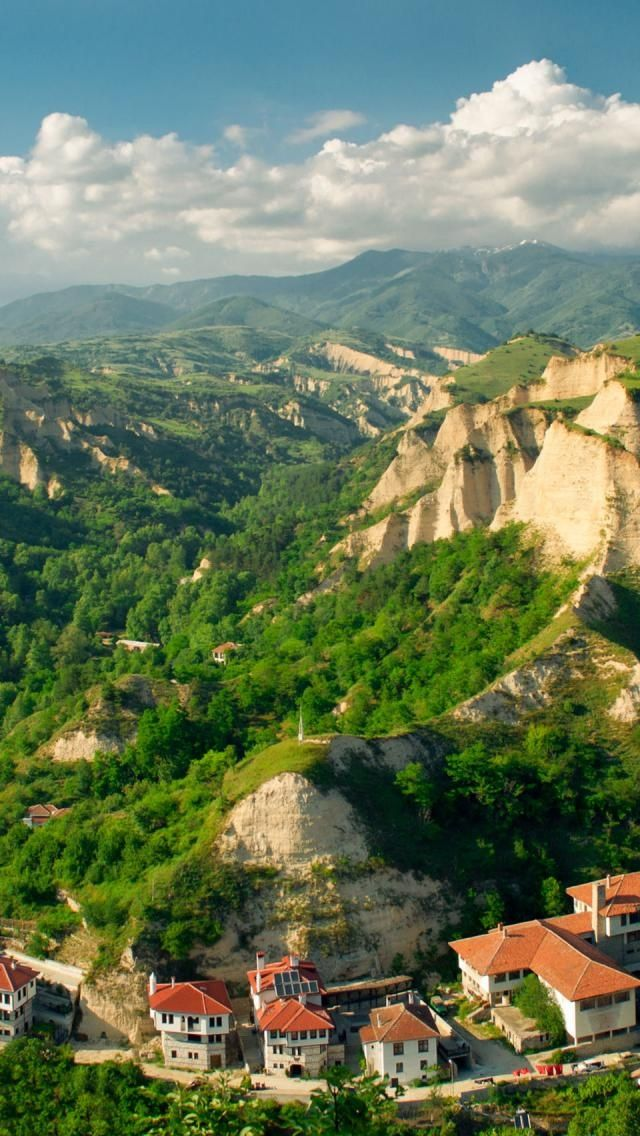 Melnik, Bulgaria |Click to read more. Incredible Pictures