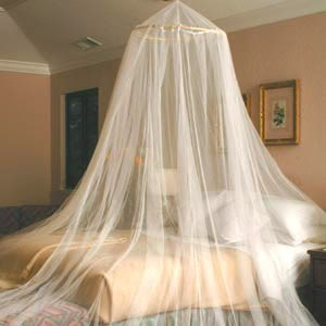 Decorating Diva Tips: Directions to Make Canopy Bed Curtains