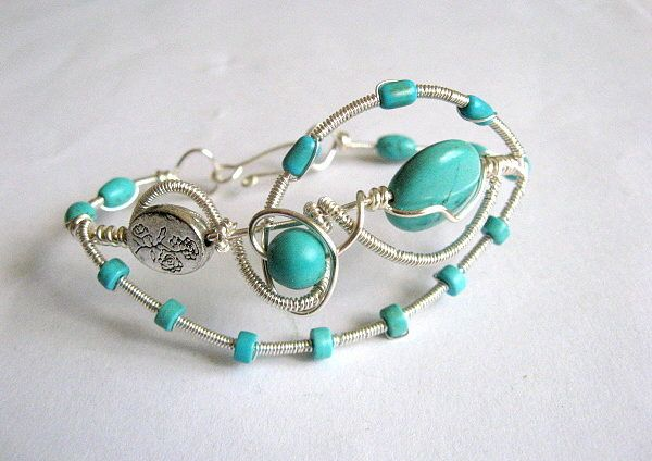 Bratara turcoaz pietre semipretioase si sarma argintata si lacuita - idei cadouri femei