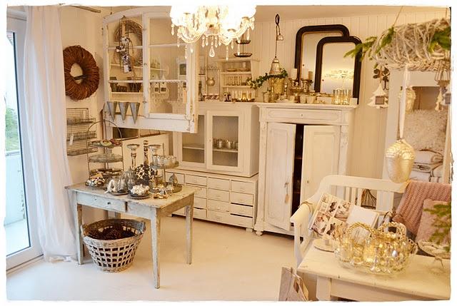 nina's shop: Shop, Window