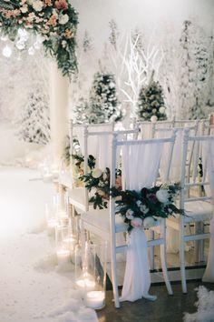 wedding ceremony, Wedding arch, wedding place, wedding decor, chairs, wedding decor chairs, flowers, свадьба, зимняя свадьба, церемония, свадебная арка, декор стульев, зимние декорации, текстиль, цветы, снежные декорации