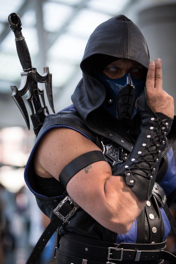 Mortal Kombat cosplay.