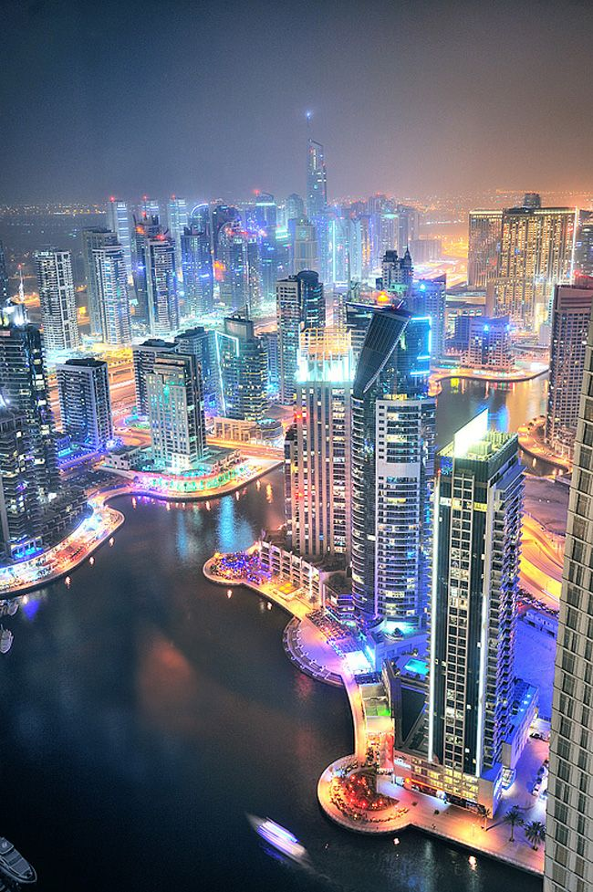 Photography of Dubai in the Nights: Dubai is Gorgeous at Night, Lit Up Like a Christmas Tree!