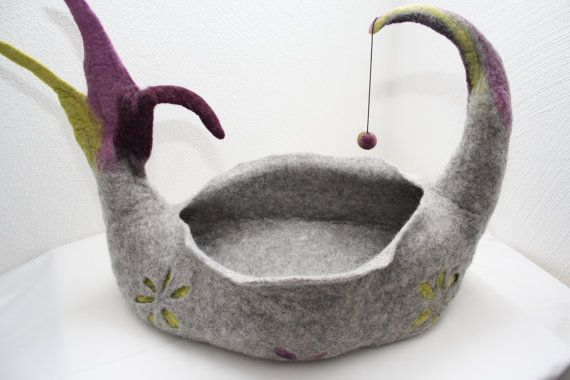 Cat cave place to sleep by Filzkitty on Etsy, €149.00