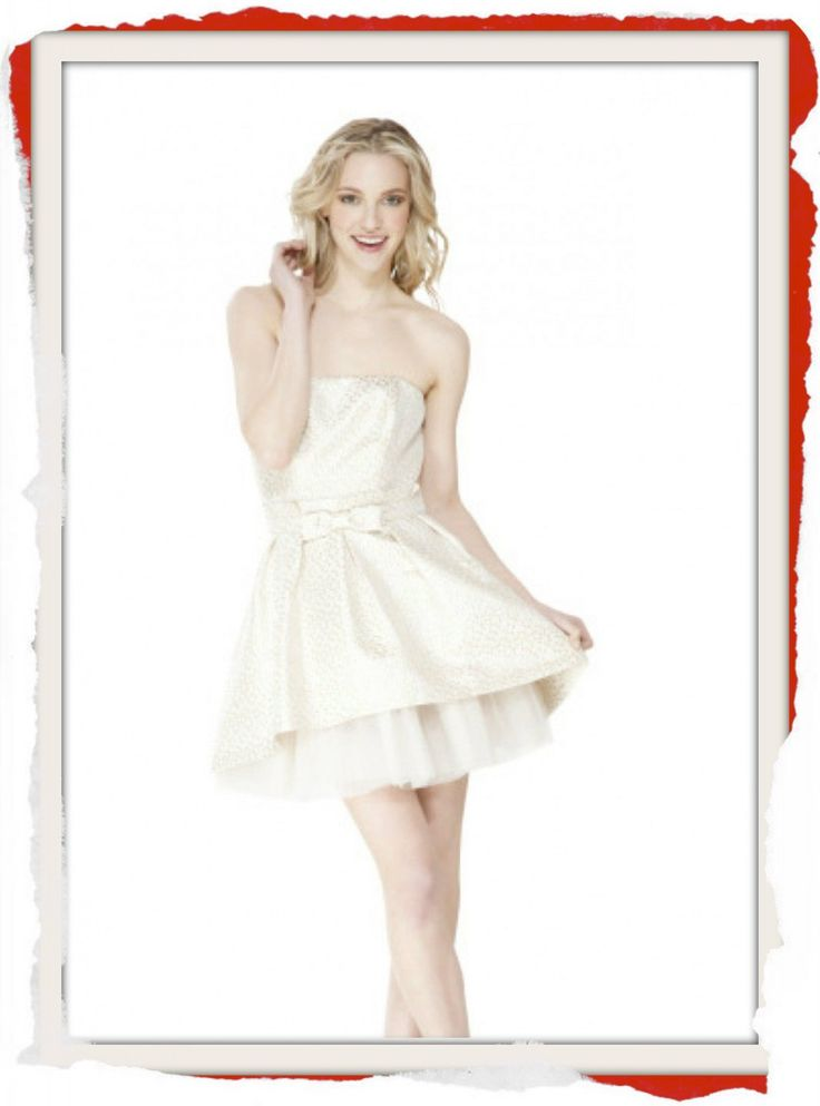 Classic Betsey Johnson Cream Tulle formal dress with front bow and built in corset. This dress was originally designed for the cast of #Glee. $249 info@fashionjazz.com.au