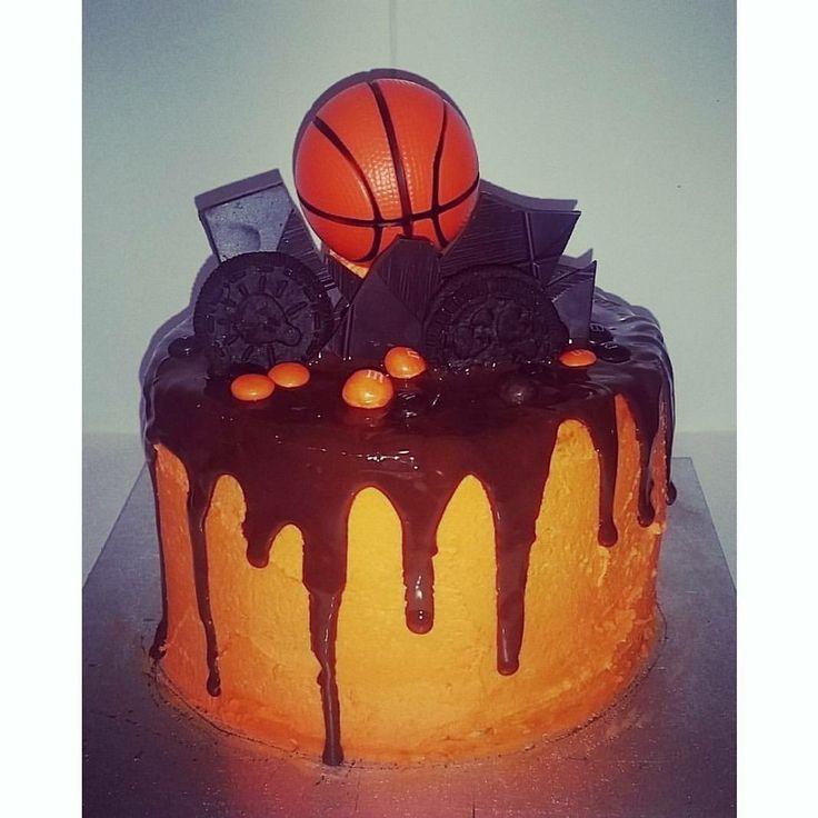 Basketball drip cake
