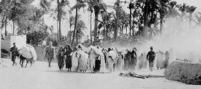 prendendo famiglie libiche nei campi di concentramento