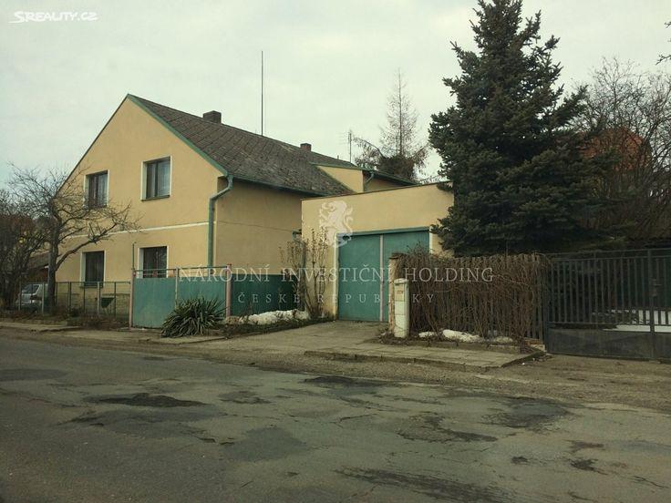 Rodinný dům 264 m² k prodeji Tuřice, okres Mladá Boleslav; 3200000 Kč, parkovací místo, garáž, přízemní, samostatný, cihlová stavba, ve velmi dobrém stavu.