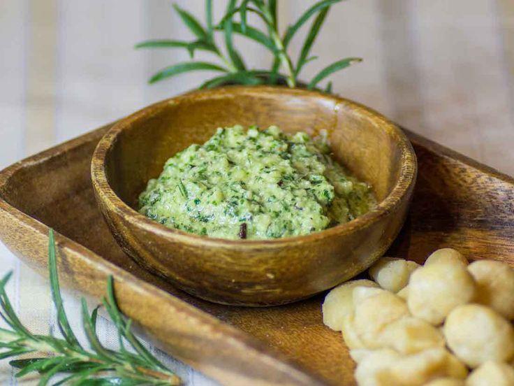 Low Carb Rosemary and Macadamia Nut Pesto